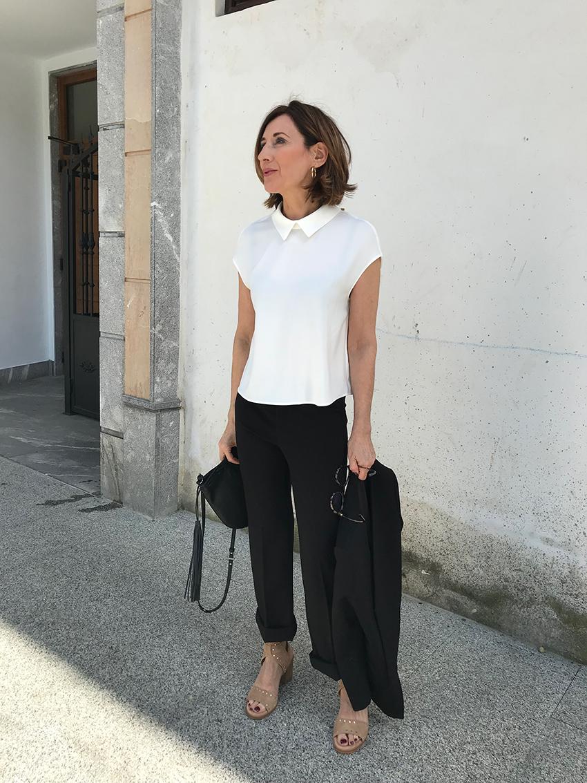 Top crudo y pantalon negro