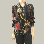 camisa negra estampado floral bash