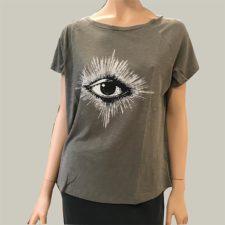camiseta-estampado-de-ojo rabens