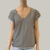 camiseta rayas cuello v