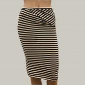 falda rayas humanoid