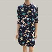 vestido azul estampado floral essentiel